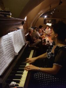 pianista in bistro